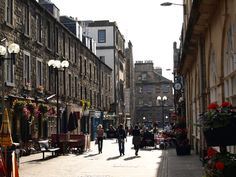 Rose Street, Edinburgh...runs parallel to Princess St...looks like it's still as lovely as the year I spent there...