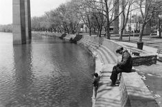 """TBT: Schuylkill River Bank (East Falls, Philadelphia). May 1st, 1979. Credit: """"Old images of Philadelphia."""""""