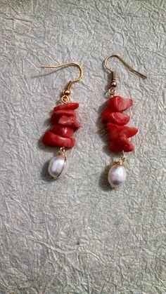 Perla de rio y chapa de oro $60--ooh, pretty--coral and pearl?