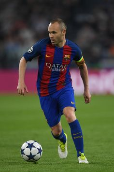 Andres Iniesta of Barcelona in action during the UEFA Champions League Quarter Final first leg match between Juventus and FC Barcelona at Juventus Stadium on April 11, 2017 in Turin, Italy.