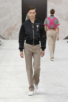 Look 22 from the Louis Vuitton Men's Spring/Summer 2015 Fashion Show.