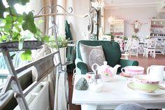 Cafe Little Britain Little Britain, Ham And Eggs, Vanity, Restaurant, Vienna, Furniture, Design, Home Decor, Glamour