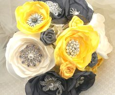 Brooch Bouquet  Wedding Bouquet in Yellow Steel Gray | DIY idea