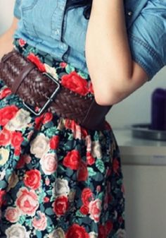 Belted floral skirt with chambray
