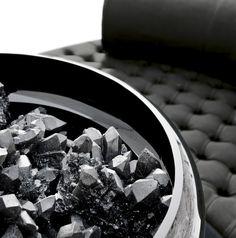 Quartz In Resin - #homedecor #home #decor #interiordesign #interior #design #furniture #quartz #resin #madeinitaly Interior And Exterior, Interior Design, Classic Style, Contemporary, D1, Barcelona, Meet, Woman, Home Decor