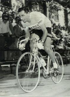Photo classic vintage cycling cvc bikes cyclist tour de france giro d'italia vuelta a espana classics par