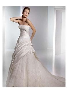 Satin Strapless Ruched Bodice with A line Skirt and Chapel Train in Zipper Closuer 2010 Wholesale Wedding Dress WD-0240