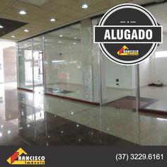 Loja no shoping Pátio Divinópolis alugada pela equipe da Francisco Imóveis.