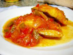 Bacalao en salsa de pimientos y tomate