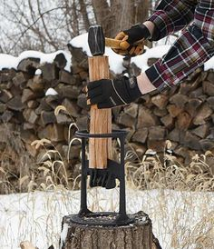 If you need to create kindling for your campfire, wood stove, fireplace or pizza oven and you don't want to risk injury by using an axe, the Kindling Cracker is just what you need. Kindling Splitter, Log Splitter, Outdoor Projects, Home Projects, Welding Projects, Woodworking Projects, Cast Iron, It Cast, Pizza Oven Outdoor