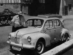 Dans le droit fil de la Juvaquatre, la 4 CV découvrable doit son existence à une initiative de la SAPRAR. La voiture fait sa première apparition au Salon de Paris de 1948 dans une livrée rouge vif qui ne passe pas inaperçue. Il s'agit d'un type R 1060 de 760 cm3, qui sera transformé pendant deux ans pour le compte de la SAPRAR. A partir du modèle R 1062 de 747 cm3 (millésime 1951), la 4 CV découvrable est inscrite au catalogue Renault.