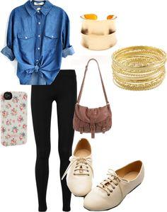 Street style : chambray shirt, black leggings,  vintage handbag & oxfords. This look is effortlessly cool