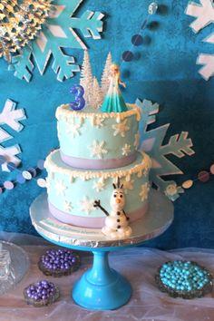 """Disney """"Frozen"""" Birthday Cake"""