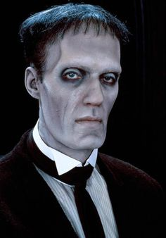 Lurch from The Addams Family. Source by eddiestensgard Look dress Adams Family Kostüm, Adams Family Halloween, Die Addams Family, 31 Days Of Halloween, Addams Family Costumes, Family Halloween Costumes, Fester Addams, Tim Burton Characters, The Munsters