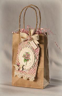 Bolsa papel con etiqueta