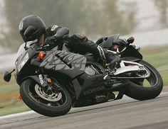 Купить мотоцикл за 100 тысяч рублей  Огромное число новичков, для которых продажа мотоциклов эндуро и весь ассортимент таких изделий являются еще чем-то далеким от понимания, задаются вопросом, можно ли купить хороший мотоцикл за 100 000 рублей. http://opt.expert/articles/kupit_motocikl_za_100_tysyach_rublej  #optexpert #оптэксперт #вебмаркет #всепродается и #всепокупается