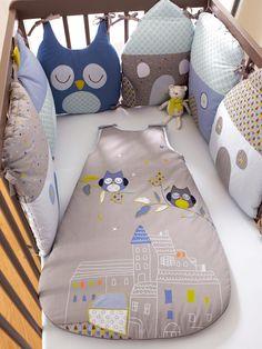 Tour de lit modulable bébé thème T'hibou, Chambre et linge de lit