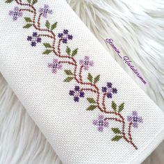Cross Stitch Boarders, Butterfly Cross Stitch, Cross Stitch Bookmarks, Cross Stitch Rose, Cross Stitch Flowers, Cross Stitch Charts, Cross Stitch Designs, Cross Stitching, Cross Stitch Embroidery