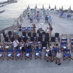 Tutto pronto per la proiezione dei #cortometragg... #hatsummer con Rinaldelli. Domani verrete qui ai bagni Paolieri a #Quercianella ?  #Livorno #Toscana #Tuscany #Italy #Italia #instaitalian #instaitalia #moda #fashion #womenfashion #sea #seaside #mare #cinema