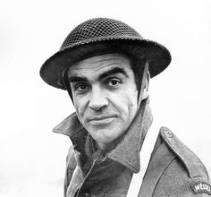 Happy Birthday to Sir Sean Connery, who is 81 years old today. Sean Connery is probably best known as the voice of Draco the Dragon in the film Dragonheart (you remember that movie, right? Dvd Blu Ray, John Wayne, Great Films, Good Movies, James Bond, Sean Connery Young, Le Jour Le Plus Long, Omaha Beach, Avengers Film