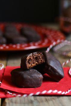 Mustaccioli morbidi al cioccolato