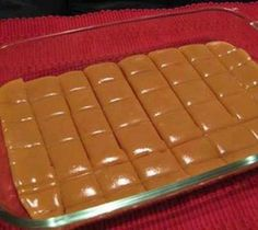 Six Minute Caramels~ Ingredients cup butter cup white sugar cup brown sugar cup light Karo syrup cup sweetened condensed milk Directions: 1 Combine all ingredients. 2 Cook 6 minutes, stirring every two minutes. 3 Stir and pour into lig Köstliche Desserts, Delicious Desserts, Dessert Recipes, Yummy Food, Desserts Caramel, Candy Recipes, Sweet Recipes, Yummy Recipes, Fast Recipes