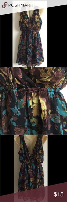 Forever 21 mini dress So cute! Has a tie around the neck that is versatile. V-neckline in front and back. Fully lined. Has a shimmery overlay. Vibrant color scheme of turquoise, maroon and gold floral patten. Forever 21 Dresses Mini