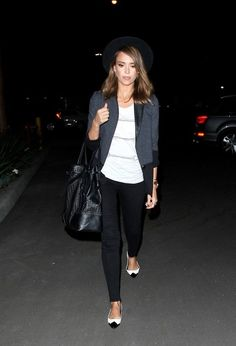 Jessica Alba - Jessica Alba Goes Out in Hollywood