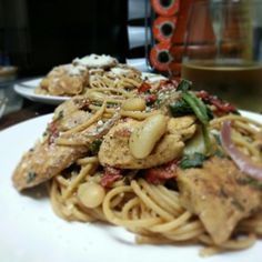 YUM! Balsamic Chicken Spaghetti w/ Spinach and White Beans!