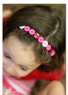 Oh My! What an adorable idea for a headband. I think this would look too cute! I see one in my future.......
