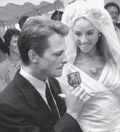 Michael J. Fox and Tracy Pollan (1988) - Vintage Celebrity Wedding Photos - Photos
