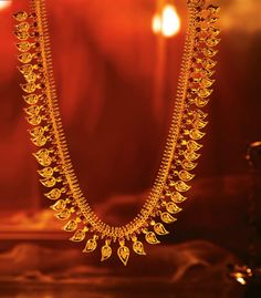 The stunning Mangamalai, a type of necklace worn by South Indian brides.
