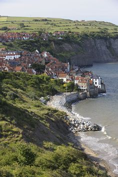 Robin Hood's Bay, North Yorkshire, England, by Countryside Online Places Around The World, Oh The Places You'll Go, Great Places, Places To Travel, Beautiful Places, Places To Visit, Yorkshire England, North Yorkshire, Yorkshire Dales