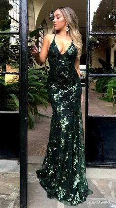 EMERALD GREEN DISTRACTION BY STUDIO MINC. #FORMAL #DRESS #PROM #BACKLESS #SEQUIN