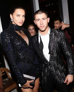 theuniqueadrianalima: Adriana Lima Sophie Turner Nick Jonas
