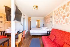 Chambre familiale vue sur mer Hotel Saint Malo, St Malo, Bed, Furniture, Home Decor, Bedrooms, Decoration Home, Stream Bed, Room Decor