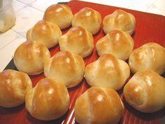 焼いた翌日~3日間★ふわふわしっとりパン by Harumie Bread Recipes, Cake Recipes, Japanese Bread, Bread Toast, Bread Pizza, Sweet Buns, Savoury Baking, Scones, Bakery