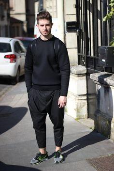 princeinjeans: Outfit : Black Again with a Neoprene Sweatshirt Lanoir Pants and Nike Sneakers Flyknit Racer - Nicolas Lauer