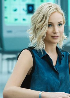 Celebrities are gradually picking up different styles, so we wanted to show you the best Bob Hair Inspiration that you can copy from the celebrities in these pictures below: Jennifer Lawrence We start. Celebrity Short Hair, Celebrity Hairstyles, Bob Hairstyles, Celebrity Photos, Celebrity Bobs, Short Hair Celebrities, Short Wavy Hairstyles For Women, Short Haircuts, Jenifer Lawrens