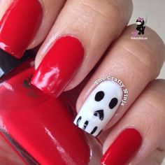 Easy Halloween Skull Nails