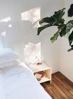 still life. Parquet, House Goals, Dream Rooms, Bedroom Ideas, Bedroom Inspo, Bedroom Decor, Bedroom Lighting, White Bedroom, Bedroom Neutral