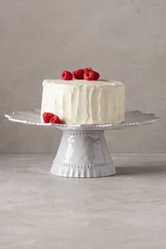 LOOOVE this cake stand. Anthropologie.