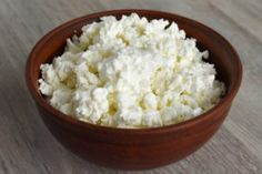The intake of cottage cheese can certainly lead to weight loss, largely related to its high protein content while remaining low in calories. Choosing low-fat or fat-free cottage cheese can reduce calorie intake without compromising protein cont. Cottage Cheese Diet, Homemade Cottage Cheese, Cottage Cheese Recipes, High Protein Vegetarian Recipes, Protein Foods, Low Carb Recipes, Casein Protein, Diet Recipes, Food Gallery