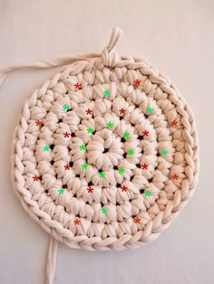 Tutorial for a perfect crochet round in tight stitches on a magic knot - Faitenchiffon, Loom Knitting For Beginners, Round Loom Knitting, Loom Knitting Stitches, Loom Knit Hat, Crochet Stitches Free, Loom Knitting Projects, Crochet Diy, Crochet Round, Crochet Patterns
