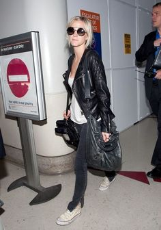 Ashlee Simpson Photo - Ashley Simpson Arrives in LA