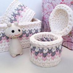 1 million+ Stunning Free Images to Use Anywhere Crochet Bowl, Crochet Basket Pattern, Knit Basket, Crochet Round, Crochet Yarn, Crochet Patterns, Crochet Baby Boots, Knit Baby Booties, Crochet Baby Blanket Borders