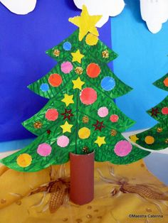 Maestra Caterina: Natale! Christmas And New Year, Christmas Trees, In Kindergarten, Tree Skirts, Paper Art, Diy And Crafts, Holiday Decor, Caterina, 1