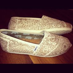 Indian-inspired Toms! LOVE!! They look henna tattooed!!! :)