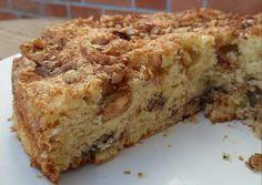 Bolo Crocante de Nozes,Este bolo é SOBERBO!!! É suave, fofinho, e muito mas mesmo muito CROCANTE! Cada trinca um pedaço de noz a desfazer-se… humm e canela? MAGNÍFICOOOO!! - Sobremesas de Portugal