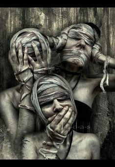 See no evil. Do no evil. Hear no evil. There's also do no evil but still lovely. Arte Horror, Horror Art, Omerta Tattoo, Dark Fantasy, Fantasy Art, Art Sinistre, See Tattoo, Art Noir, See No Evil